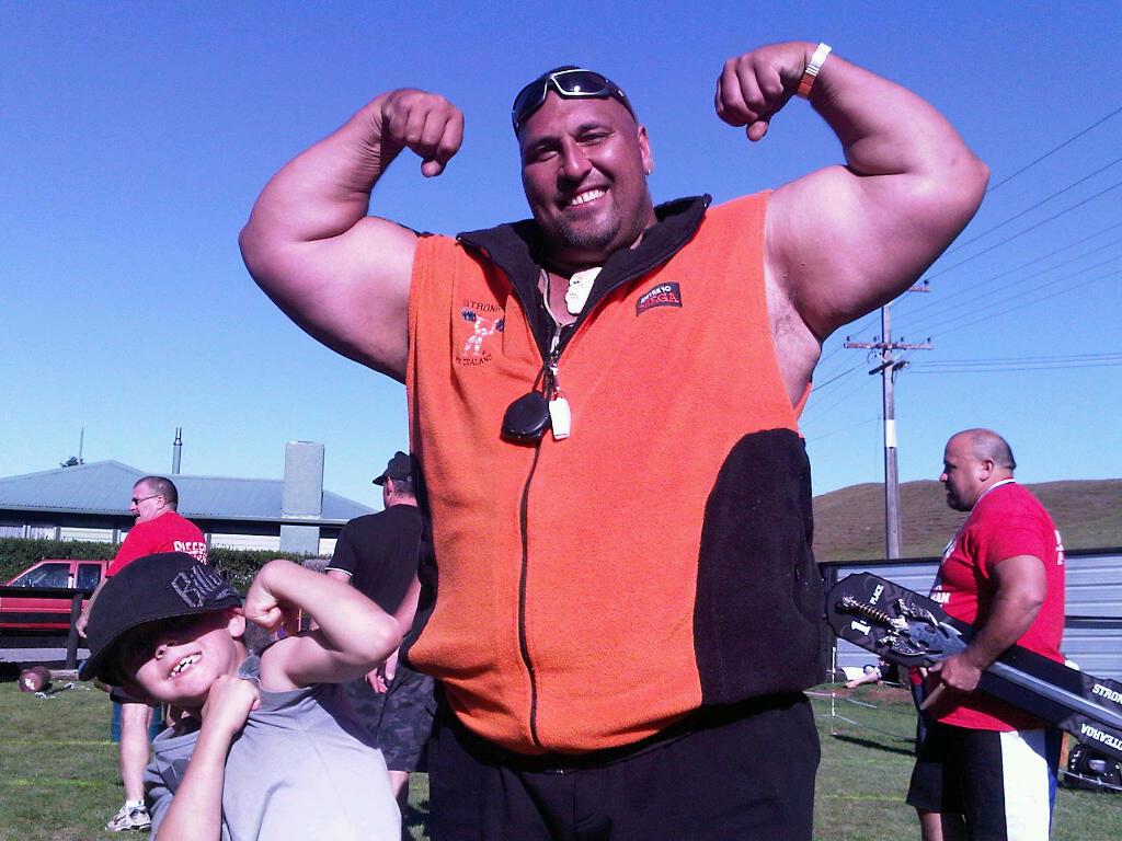 11-strongman1.jpg